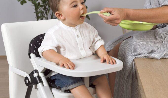 Wybór nowoczesnego krzesełka do karmienia