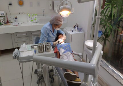 implanty zebow kiedy zdecydowac sie na implant zebowy